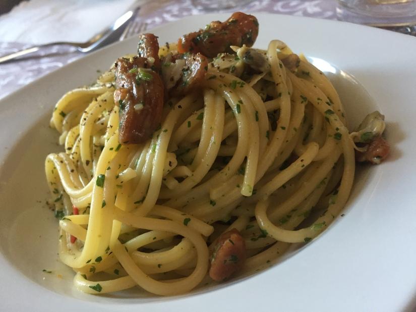 """Spaghetti con bottarga, """"poverazze"""" ecolatura"""