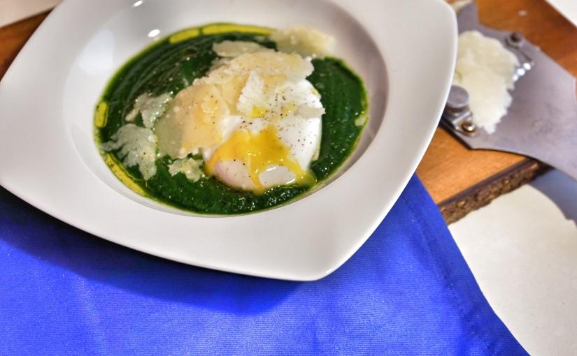 Crema di spinaci con uovo incamicia